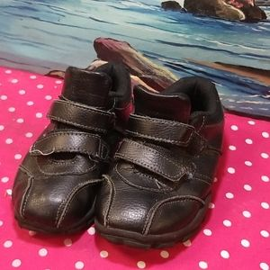 Healthtex  toddlers boys  shoes size 10
